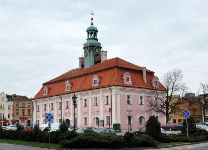 Ratusz w Rawiczu - siedziba Muzeum Ziemi Rawickiej