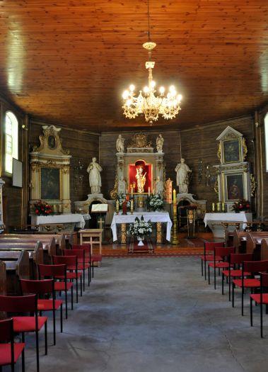 Nawa główna w kościele w Rogalinku