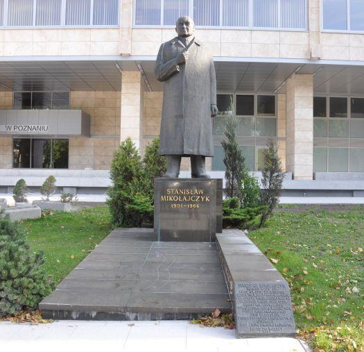 Pomnik Stanisława Mikołajczyka w Poznaniu