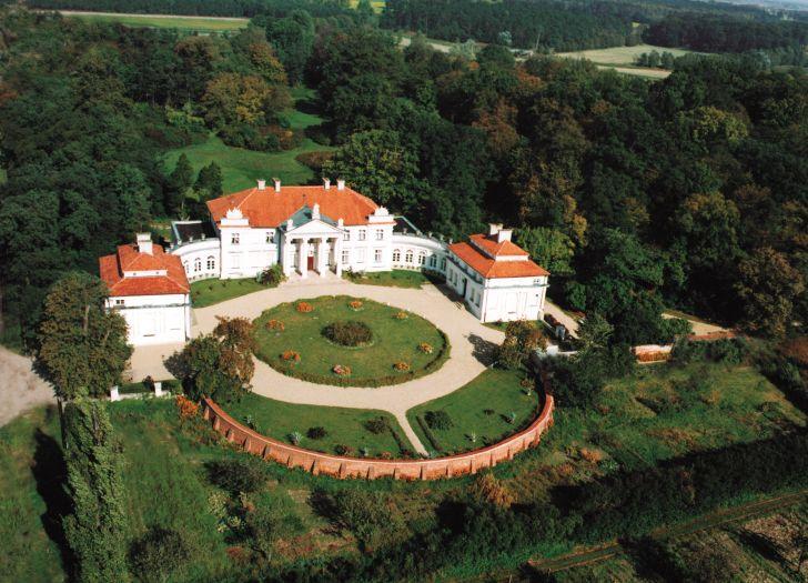 Pałac w Śmiełowie - widok z lotu ptaka