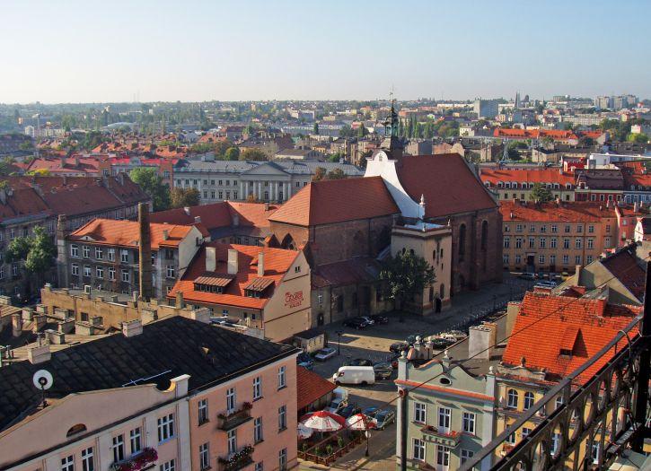 Widok z wieży na kościół Franciszkanów
