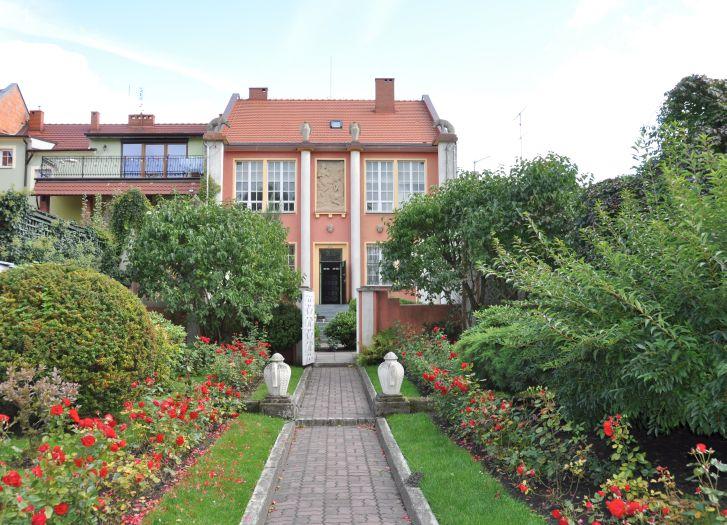 Muzeum Marcina Rożka w Wolsztynie. Widok od strony ogrodu