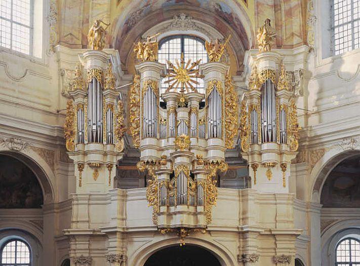 Organy w Lądzie
