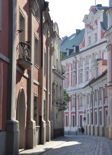 Uliczka w kompleksie jezuickim Poznaniu